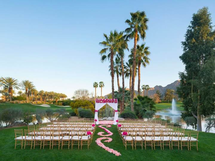 The Serena Lawn with the lake and fountain views at the Hyatt Regency Indian Wells is popular for ceremonies, especially large Indian weddings in Palm Springs.