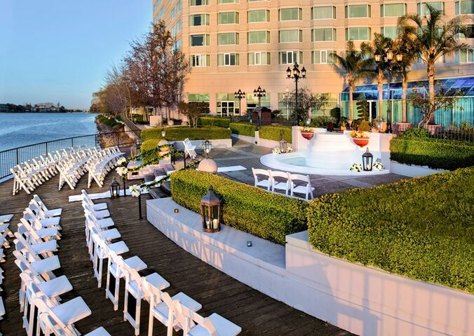 Wedding ceremony at the Pullman San Francisco Bay
