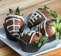 superbowl_footballstrawberries