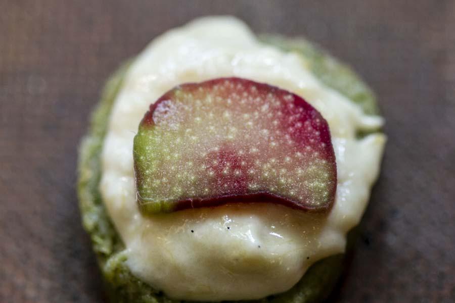 Petits sablés rhubarbe et pandan, une recette de Epices Shira