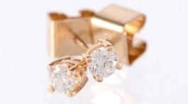 graded diamond earrings