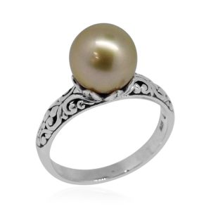 Brown Tahitian pearl solitaire ring in sterling silver.