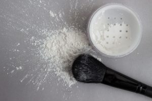 Translucent Powder with Makeup Brush