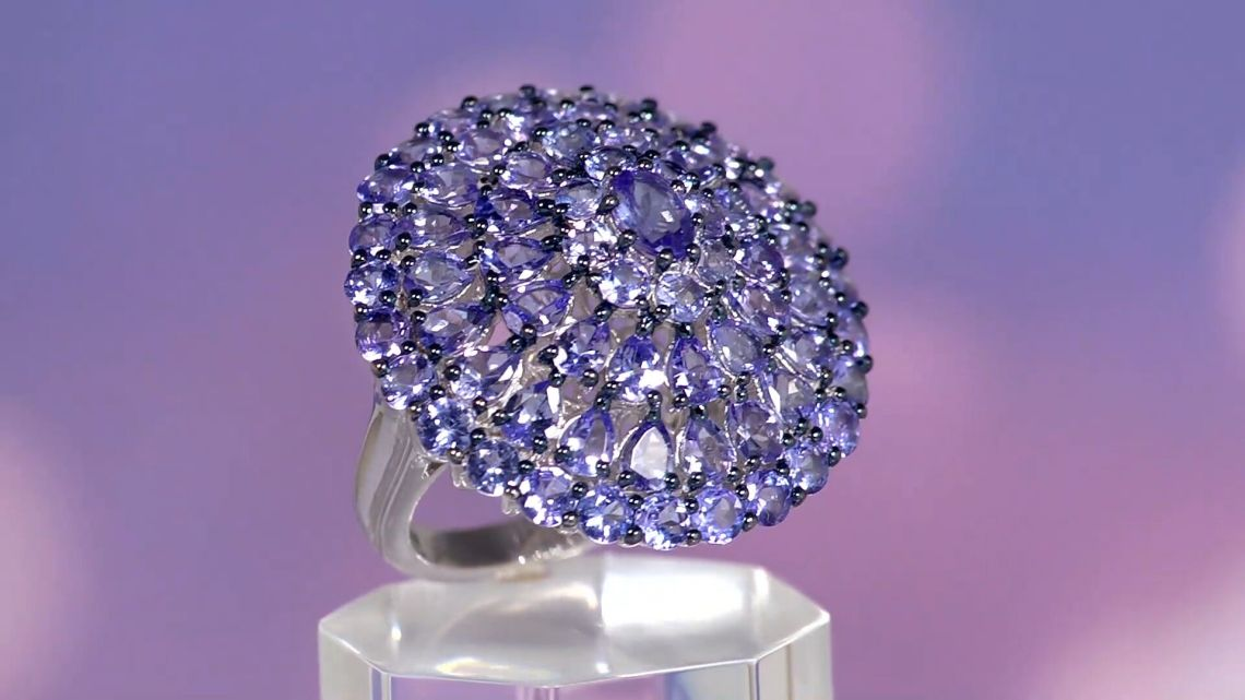 A finished tanzanite cluster ring.