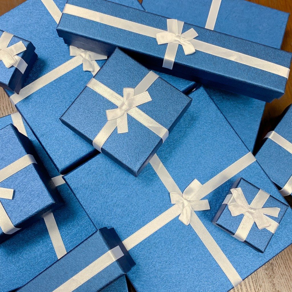 Blue jewelry boxes for Shop LC jewelry.