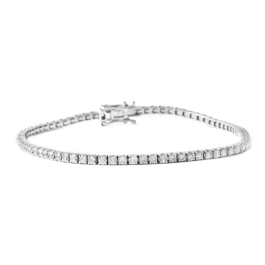 Diamond tennis bracelet in white gold.