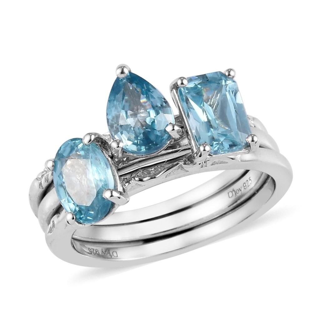 Blue zircon solitaire ring set.