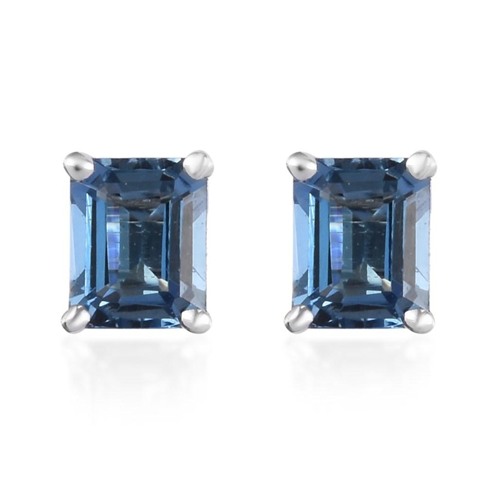 Aquamarine stud earrings in 14K white gold.