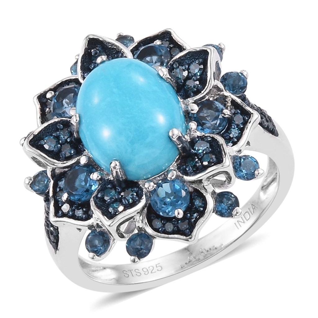 Blue floral ring in sterling silver.