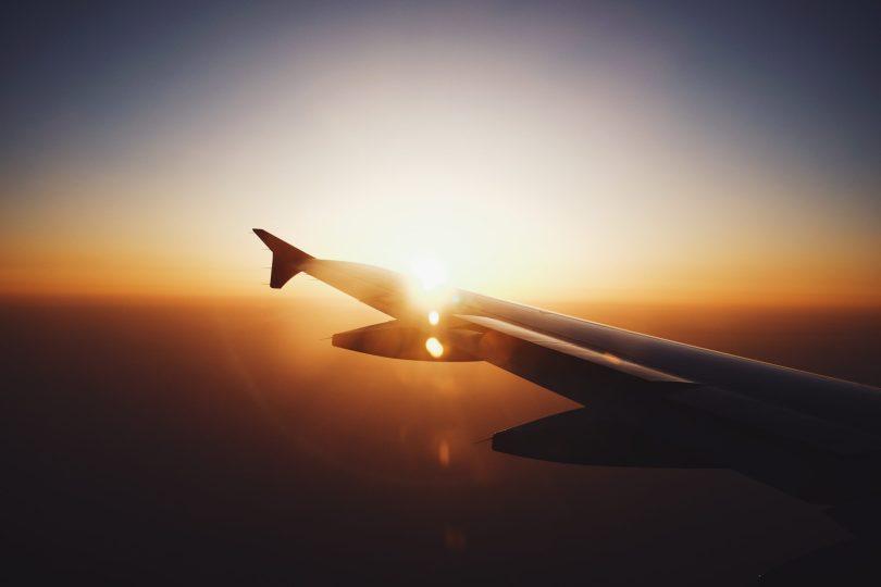 Vacaciones en Semana Santa, vuelo con atardecer
