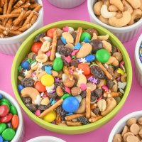 Homemade Trail Mix Recipe [with Sprinkles!]