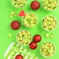 Grinch Popcorn Recipe [With Red Heart Sprinkles!]