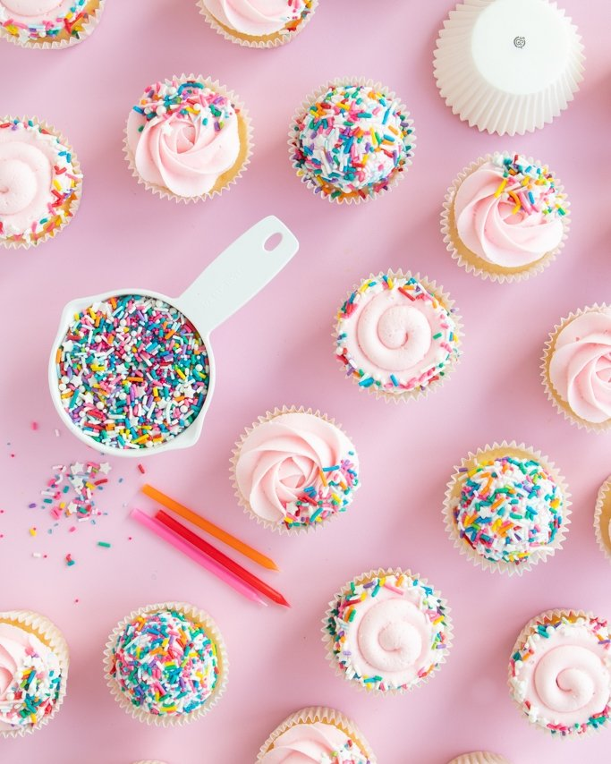 How many sprinkles do i need for cupcakes? Here are different types of coverage for sprinkle cupcakes