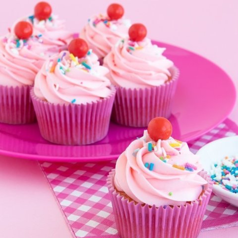 Easy Strawberry Funfetti Cupcake Recipe