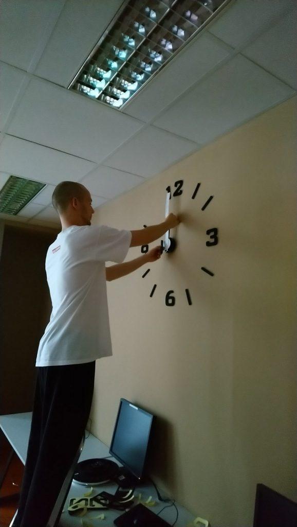 Instalace nástěnných hodin