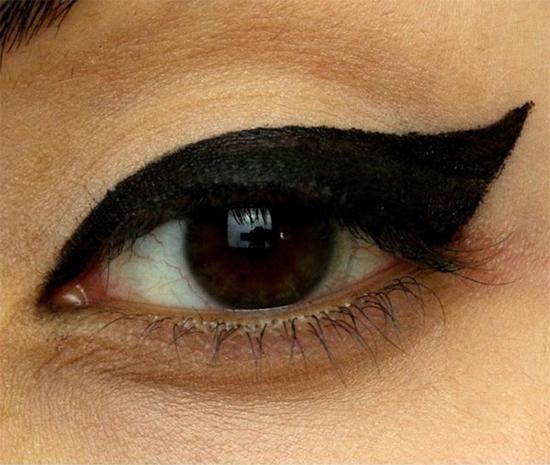 hoc-lom-cac-kieu-ve-eyeliner-han-quoc-hot-nhat-hien-nay-6