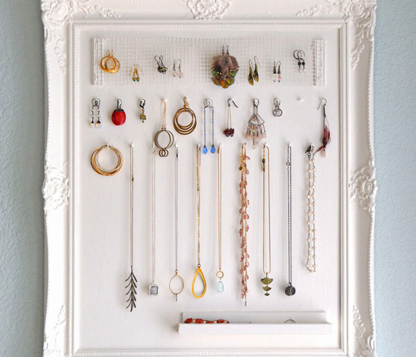 framed-jewelry-holder