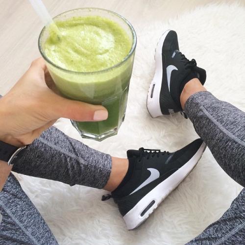 Blog Sitta Karina - Tips Olahraga Sehat dan Murah di Rumah