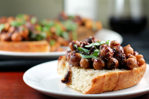 chickpea bruschetta garbanzo beans