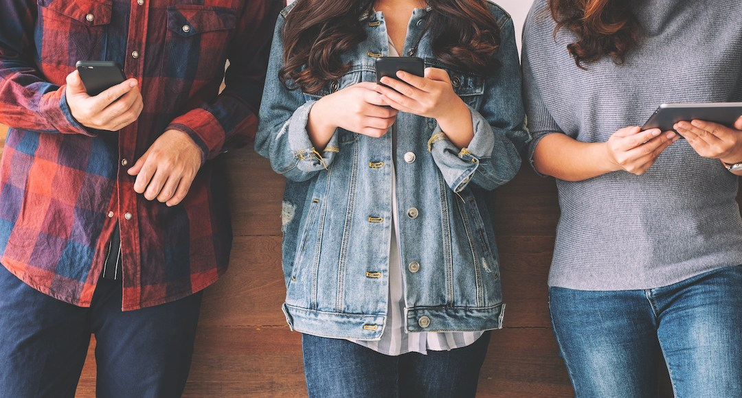 How sales teams convert cold leads with conversational texting