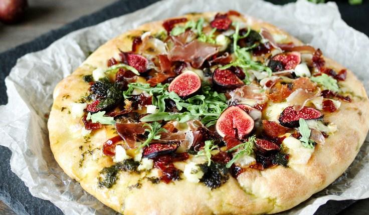 goat cheese figs arugula pizza