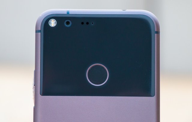 google-pixel-xl-with-google-assistant-10