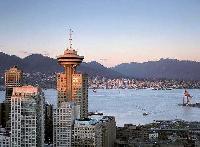 Harbour Centre com a atração Vancouver Lookout no topo. Foto: Vancouver Lookout
