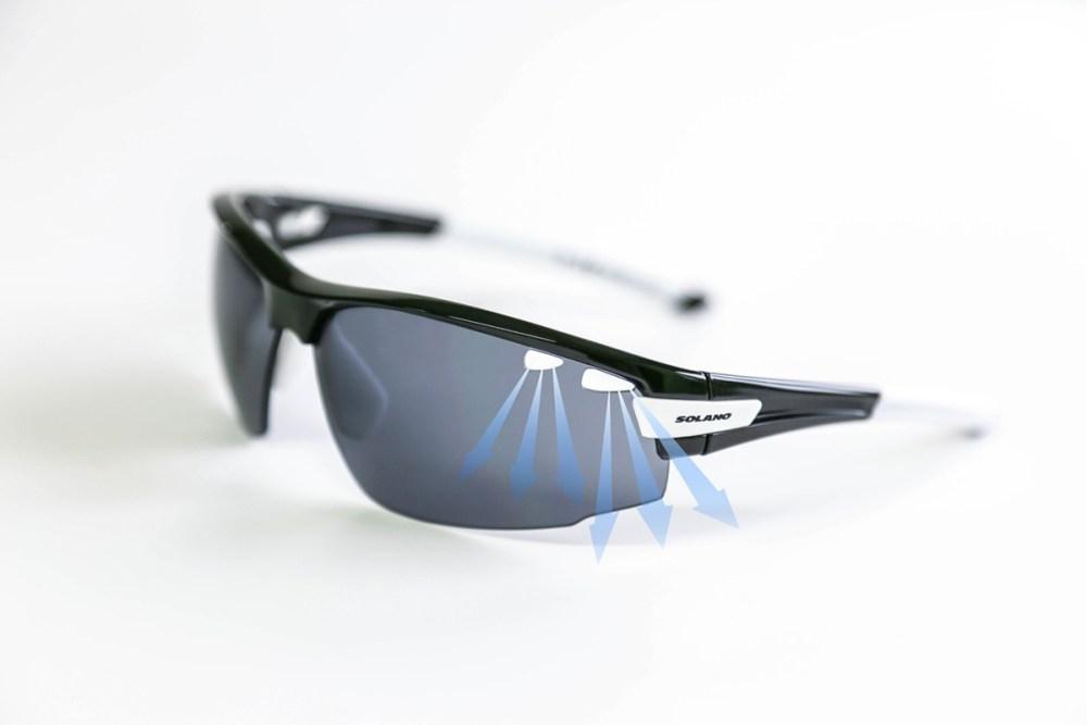 System wentylacji i powłoka Antifog w okularach Solano Sport