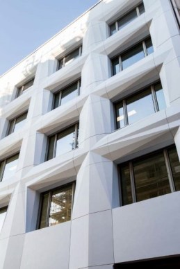 The Shift building in Paris, France, featuring a facade made of Corian® Exteriors panels based on Corian® Solid Surface in Glacier White colour; photo courtesy of Axel Schoenert Architectes, all rights reserved.
