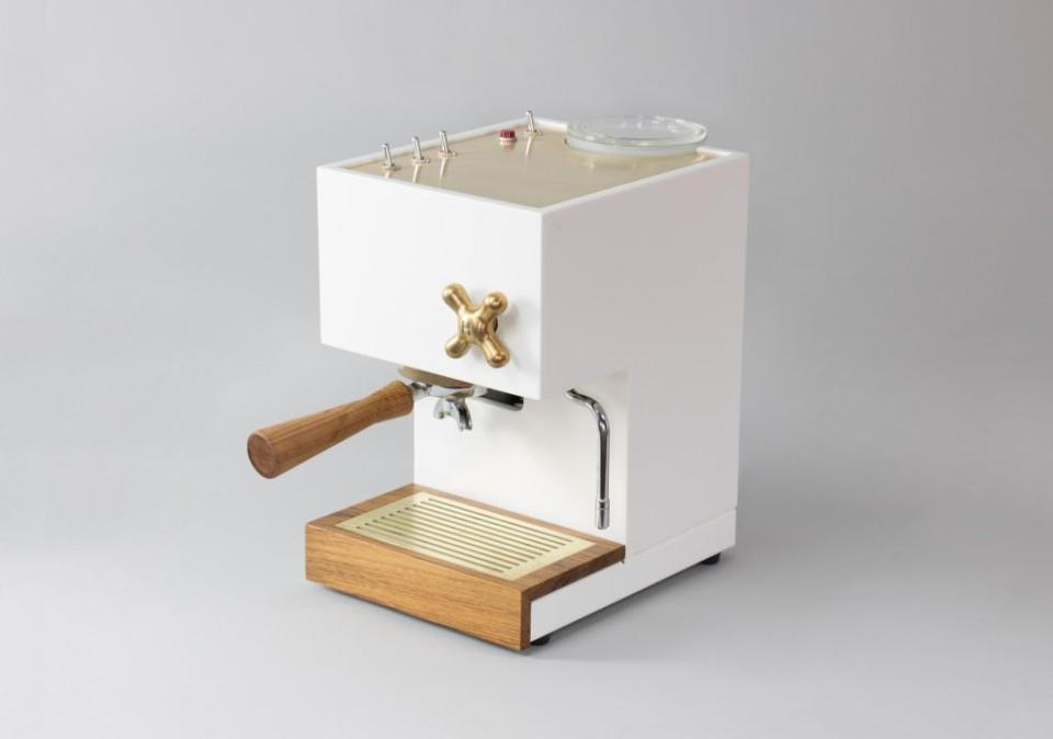 AnZa Expresso Coffee Machine made of Corian® solid surface