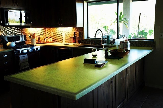 Backlit kitchen countertop in Cat Eye from STUDIO Collection®