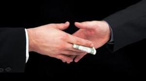 Handshaking con mazzetta...