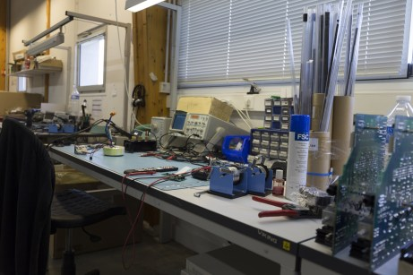 Visite Usine Atoll Electronique test oscilloscope
