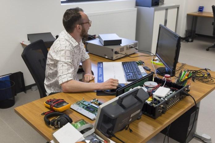 Visite Usine Atoll Electronique R&D