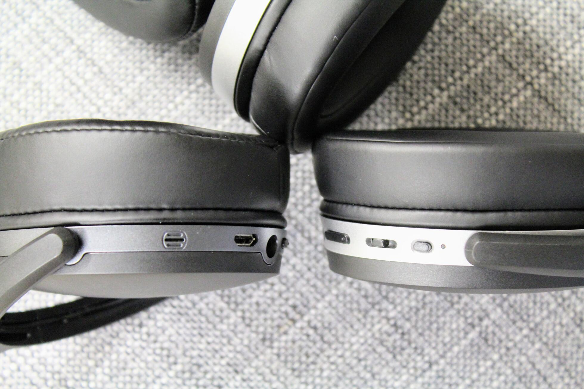 9bee81b0311 On the left, one of the Sennheiser HD 4.40 BT?s earpads, which is thicker  than that of the HD 4.50 BTNC (on the right).