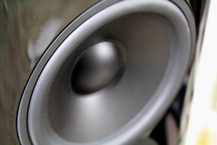 test-q-acoustics-concept-500-02