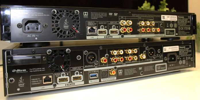 Connectique Panasonic DP-UB9000 (en bas) et Panasonic DMP-UB900 (en haut)