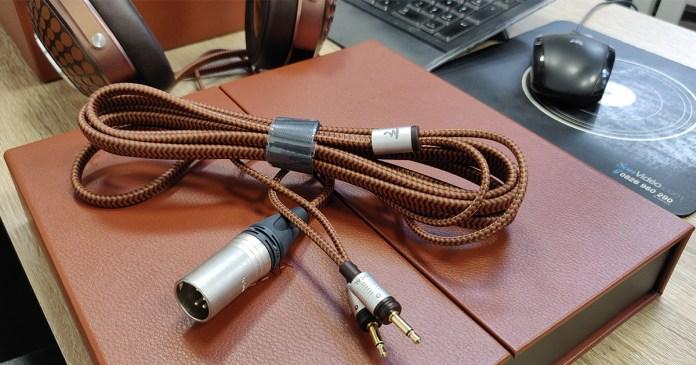 Focal Stellia : câble symétrique avec connecteur Neutrik