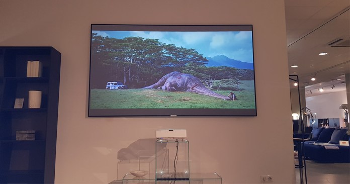 Optoma HD35UST & Lumene Extra Bright - Test Marseille Plan de Campagne - Jurassic-World