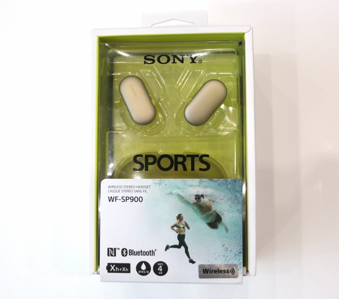 Packaging siglé SPORTS des écouteurs bluetooth Sony WF-F900.
