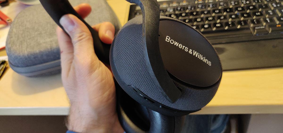 https://headphonereview.com/wp-content/uploads/2019/12/bowers-wilkins-px7-3.jpg