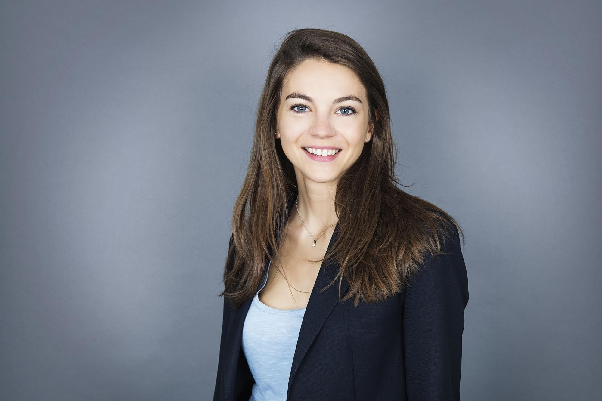 Rencontre : Léa Verdillon, Senior Associate chez Serena