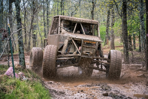 Ship The Bed -- 2014 Genright Ultra4s at Superlift