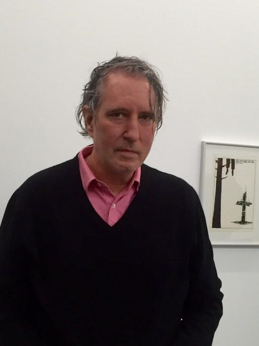 Raymond Pettibon bei seiner Pressekonferenz in Hamburg