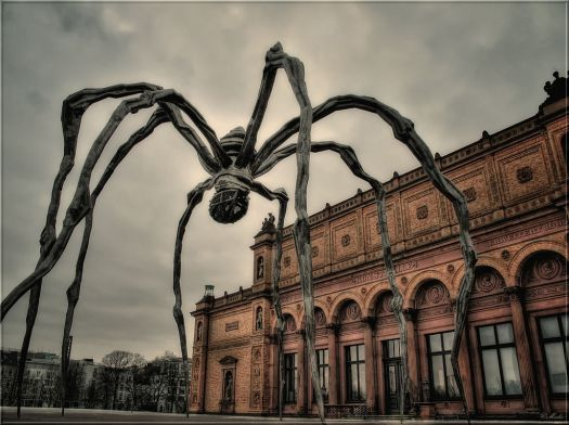 1024px-Maman_Spinne_Kunsthalle_HH