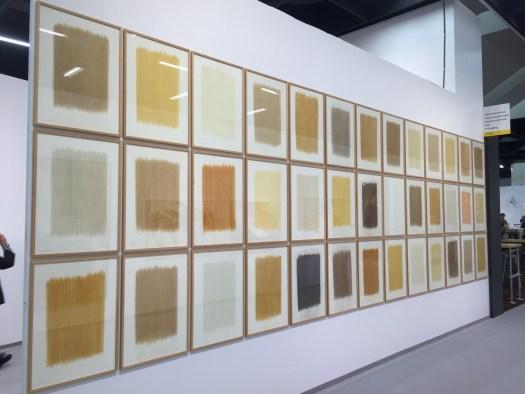 Mehr als sechs Meter bespielt der sympathische Hermann de Vries mit diesen Erdaustreibungen. Für den Vertreter der Niederlande auf der letztjährigen Biennale ist der Preis von 185 TEUR für diese Installation sicherlich akzeptabel.