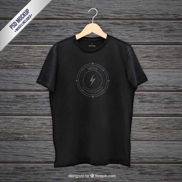Black t-shirt mockup Free Psd