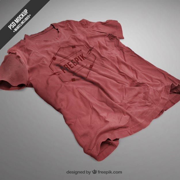 Red t-shirt mockup Free Psd
