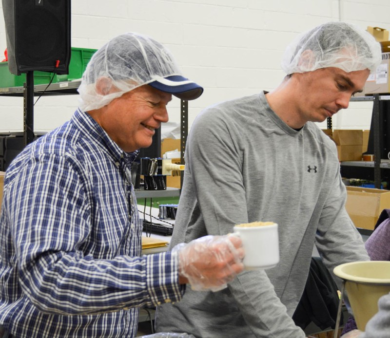 Dave goes reverse and rocks the hair net OVER the hat. That there is some stylish innovation to the original hat over hair net. What a twist!