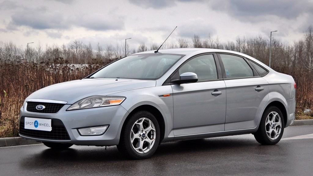 Ford Mondeo występuje zarówno jako sedan, jak i liftback